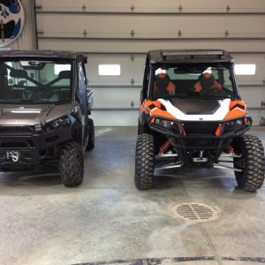 Side by side. General vs XP900 Ranger